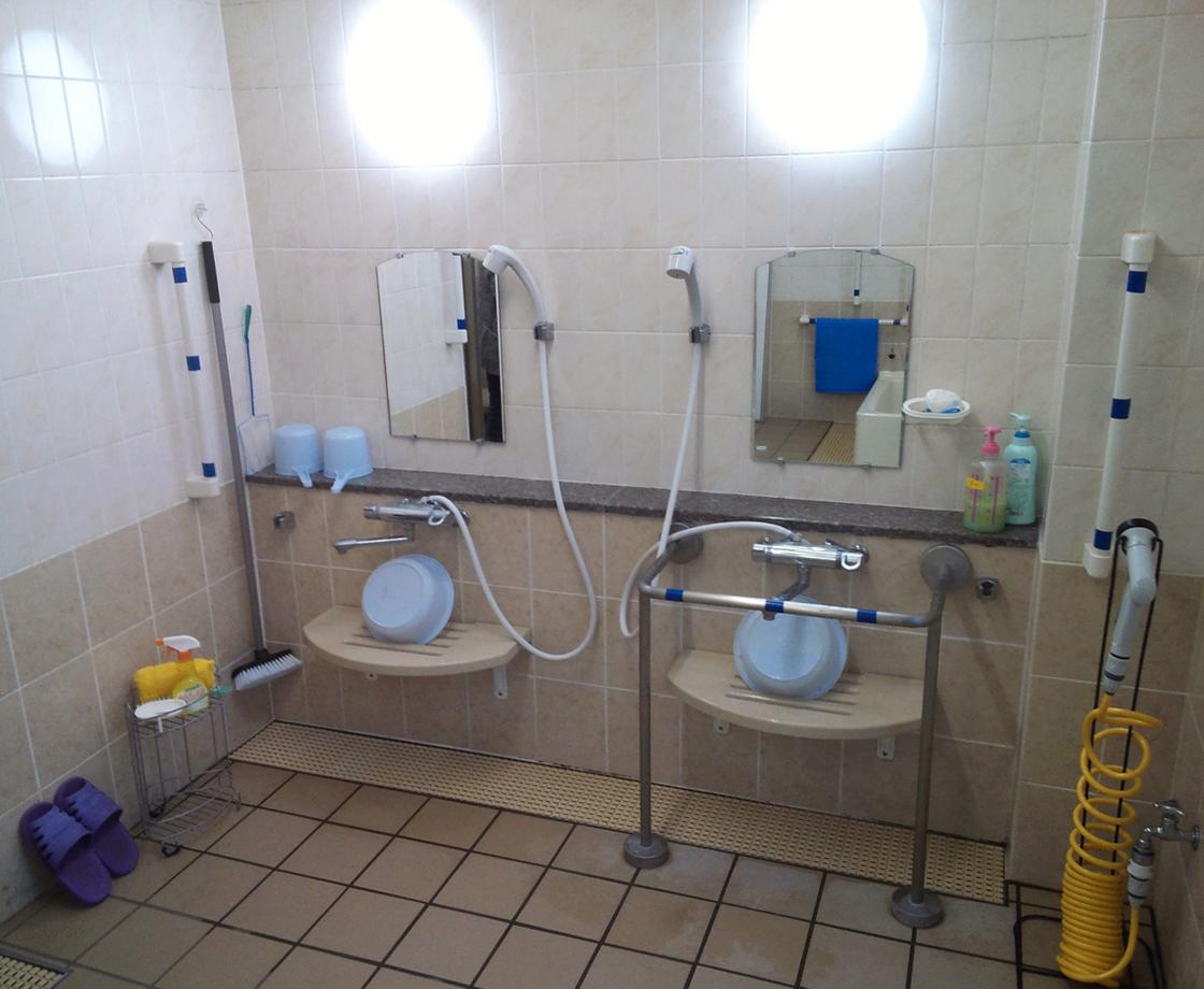 さいかち浴室